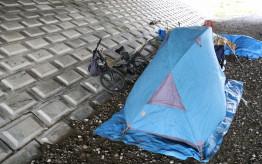 武蔵小杉のホームレス「支援センターの人はすぐに説教するので嫌。一人でいたい」