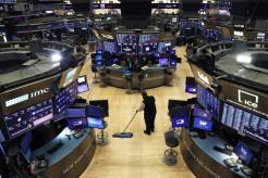 米株急落、新型コロナによる死者拡大予測で売り優勢