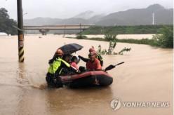 【聯合ニュース】韓国で記録的大雨 今月だけで30人死亡・約6000人被災 ★3
